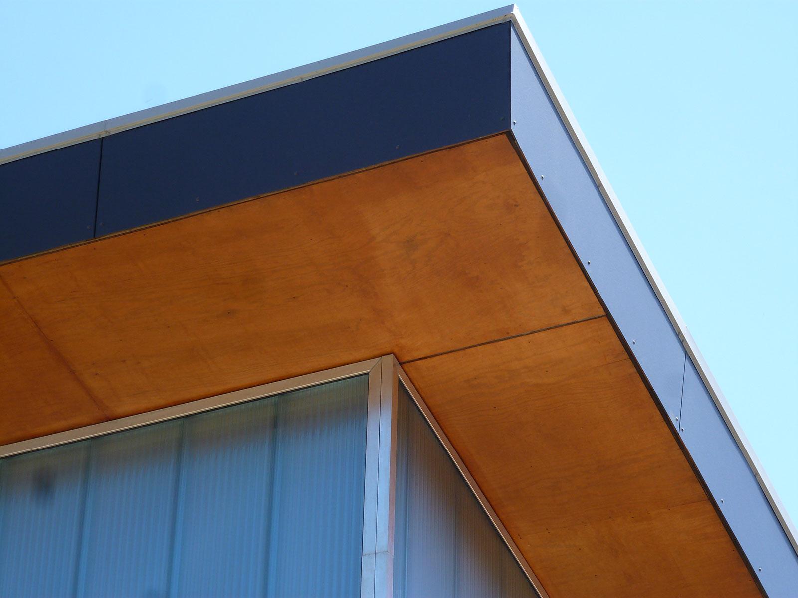 avant toits et auvents zanon charpentezanon charpente. Black Bedroom Furniture Sets. Home Design Ideas